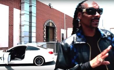Snoop Dogg ďakuje v novom klipe za všetky úspechy len sebe. Pripravuje album a film