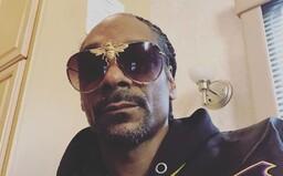 Snoop Dogg platí 50-tisíc dolárov človeku, ktorého zamestnal, aby mu pripravoval jointy z marihuany