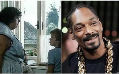 Snoop Dogg se baví u Slunce, seno a pár facek