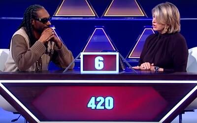 Snoop Dogg se v soutěži nezapřel a zaručeně pobaví i tebe. Jaká je předvolba České republiky?