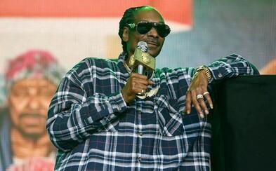 Snoop Dogg vzdává za všechny své úspěchy poctu jen sobě. Vydává nové album s 22 skladbami