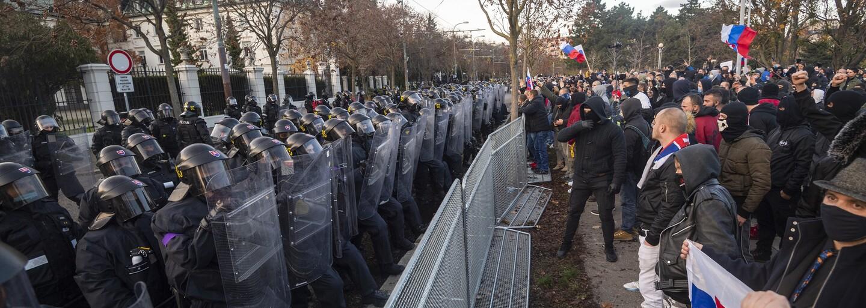 Sociálna pracovníčka Natália: Harabin v dave vyzýval ľudí, aby si dali dole rúško, fakty sú slabé miesto extrémistov (Rozhovor)