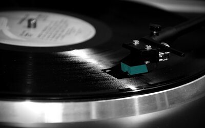 Sony začne po téměř 30 letech opět vyrábět vinyly. Velká poptávka nostalgických milovníků hudby po retro nosičích nezadržitelně roste