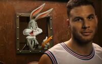 Space Jam sa vracia na čele s Bugsom Bunnym v reklame pre tenisky Foot Lockeru