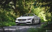 Spálené gumy aj čelá, nielen o tom bola hviezdna Kabriolet Tour s Mercedesmi (Report)