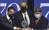 """Španělská spisovatelka vyhrála milion eur. Ukázalo se, že """"ona"""" jsou ve skutečnosti tři muži"""