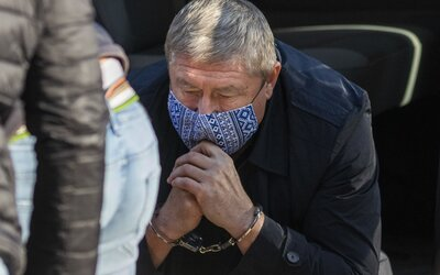 Špeciálny prokurátor Kováčik, ktorý mal byť súčasťou Bödörovej a Gašparovej zločineckej skupiny, zostáva vo väzbe