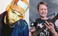 Spevák Chris Brown zdieľal na 80-miliónovom profile mladého slovenského basgitaristu Arona Hodeka