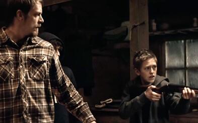 Spider-Man a Rick Flag v mrazivých záberoch z blížiaceho sa thrilleru Edge of Winter