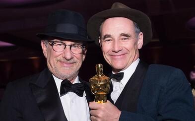 Spielberg a Mark Rylance opäť spoja sily v tajomnom filme kritizujúcom cirkev