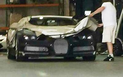 Špionážna fotka odhaľuje prednú časť nového Bugatti. Chiron sa podobá na svojho predchodcu, ale pôjde o úplne iné auto