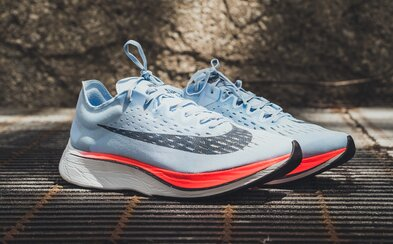 Nike vyvinulo tenisky, ve kterých běžíš rychleji. Navzdory několika výzkumům se je nepodařilo zakázat