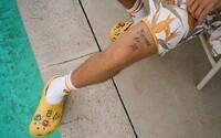 Spolupráca medzi Justinom Bieberom a značkou Crocs je realitou. Na pulty predajní sa dostane už o niekoľko dní