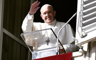 Spoluzakladatel Instagramu letěl do Itálie, aby pomohl papeži Františkovi založit si vlastní účet na sociální síti