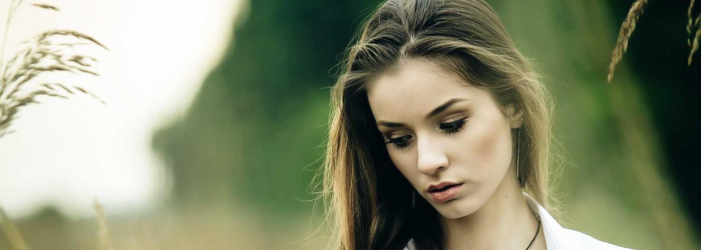 Vzpomíná na bývalého partnera a neustále se nudí. I maličkosti mohou naznačovat, že se tvůj vztah rychle blíží ke konci