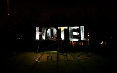 Spots: Nočná výprava do opusténeho hotela