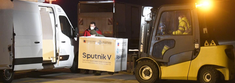 Sputnik V dorazil do Česka. Údajně má být určen pouze pro zaměstnance ruské ambasády