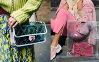 Srdce módních blogerek si získaly transparentní kabelky v barvách duhy i luxusní igelitky odhalující soukromí