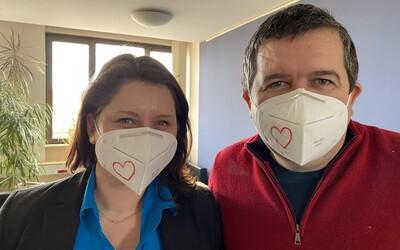 Srdíčkem na respirátoru můžeš vyjádřit podporu všem zdravotníkům