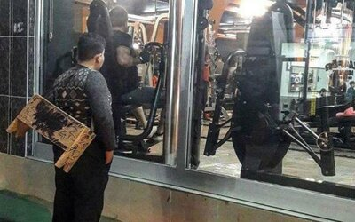 Stačila jediná fotka utečenca, ako hľadí cez okno do fitka a majitelia sa rozhodli pre veľké gesto. Sýrčan dostal celoživotný vstup