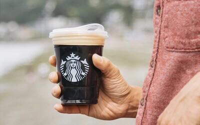 Starbucks přestane používat plastová brčka