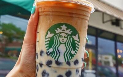 Starbucks zavedl speciální benefity pro transgender zaměstnance. Proplatí jim operaci prsou nebo transplantaci chlupů