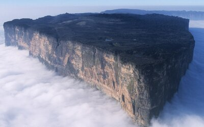 Starobylé hory, ktoré sa stali inšpiráciou pre Stratený svet. Vedci verili, že na nich žijú dinosaury