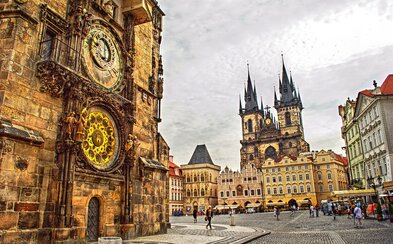 Staroměstské náměstí je jednou z nejlepších světových památek. Rozhodli o tom cestovatelé z celého světa
