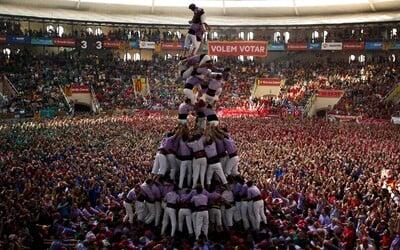 Stavanie ľudských veží – dychberúca tradícia z katalánskeho mesta Tarragona