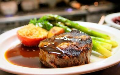 Steak z kmenových buněk? Umělé maso by mohlo být na trhu už do čtyř let