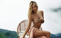 Šteklivé zábery krásnej Alexis Ren, ktorú poznáš z dobrodružných videí s jej priateľom. Rozhodne sa nemá za čo hanbiť