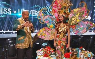 Steve Harvey opäť vyhlásil nesprávnu víťazku na Miss Universe a jeho vtip o drogových karteloch vôbec nevyšiel