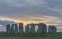 Stonehenge by mohl být vyškrtnut ze seznamu památek UNESCO