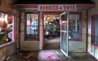 Strašidelné fotky opustenej továrne na hračky