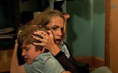 Strašidelný horor Lights Out vám zážitok v kine premení na nočnú moru
