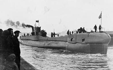 Stratená britská ponorka sa našla po 76 rokoch. Nacisti ju potopili hlbinnými bombami, po ktorých dodnes zostali na morskom dne krátery