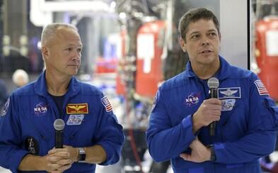 Středeční historický start rakety SpaceX s lidskou posádkou může ohrozit počasí