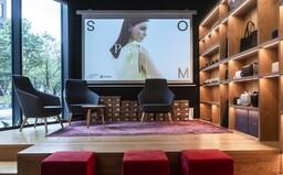 Stretni známych slovenských dizajnérov a podpor lokálnu módu. POP-UP približuje verejnosti udržateľné oblečenie a doplnky