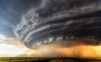 Strhujúce fotografie rodiacej sa veľkej búrky v USA