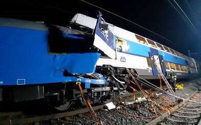 Strojvedoucí u Českého Brodu na červenou zastavil, následně se ale rozjel až na 87 km/h. Důvod je neznámý