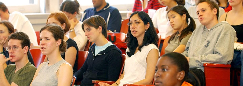 Študenti s vynikajúcimi výsledkami častejšie podvádzajú na skúškach, tvrdí najnovšia štúdia