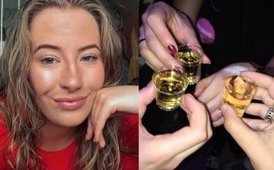 Študentka po každej prebdenej alkoholickej noci spí aj 3 dni vkuse. Vzácnu diagnózu výrazne ovplyvňujú najmä drinky