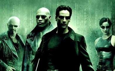 Štúdio Warner Bros. pripravuje reštart kultového Matrixu a už má aj scenáristu a hlavného herca. Budú na projekte pracovať aj sestry Wachowské?