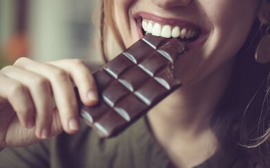 Študuješ v Spojenom kráľovstve a nebavia ťa pomocné brigády v kuchyni? Staň sa plateným ochutnávačom čokolády!