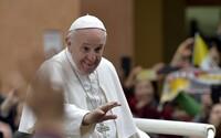 Stvořil tě tak Bůh a miluje tě, řekl papež František homosexuálovi. Nemá se prý trápit tím, co o něm lidé říkají