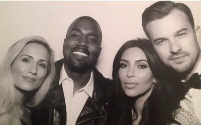 Štýlový pastor, ktorý oddal Kanyeho a Kim, najväčšou hviezdou svadby