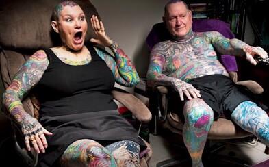 Sú dôchodcovia a predsa majú potetované celé telo. Tento pár sa právom dostal do Guinessovej knihy rekordov