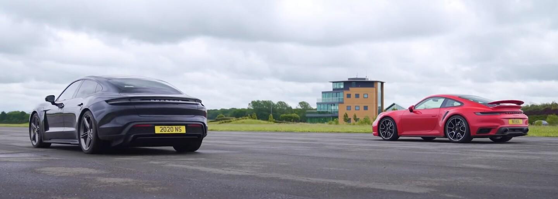 Súboj 911-ky Turbo S a Taycanu Turbo S dokázal, že benzínovým športiakom zďaleka neodzvonilo