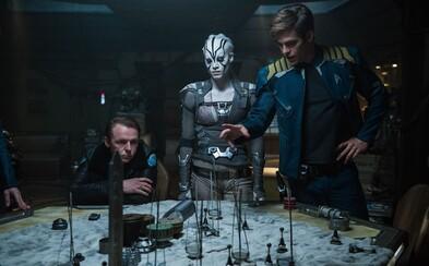 Súdržnosť členov posádky Enterprise je testovaná v akciou nabitých záberoch pre Star Trek Beyond