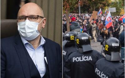 Sulík sa zastal demonštrantov proti Matovičovi, nesúhlasia s ním stranícki kolegovia, ironicky ho vysmial Mikulec